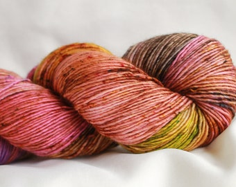 STACYS HEART - Speckled dyed Super wash merino single ply 100 Grams (400 yds) #3 free shipping