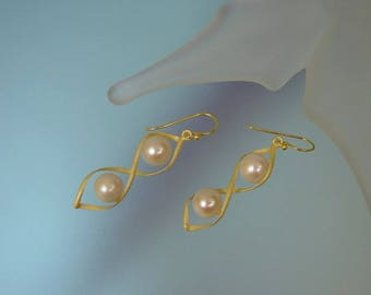 White Freshwater Pearl Gold Vermeil Earrings - Cultured Freshwater Pearl Dangle Earrings - Unique Pearl Jewelry