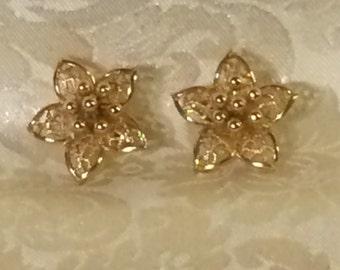 Clip Earrings Vintage Art Deco Dainty Delicate Filigree Lily Iris Flowers Gold Tone Metal Feminine Formal Wedding Bridal Elegant Jewelry