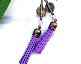 Purple drop earrings// royal purple suede leather tassel earrings// bohemian earrings//tassel jewelry