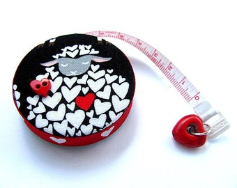 Measuring Tape Sheep and Hearts Retractable Tape Measure