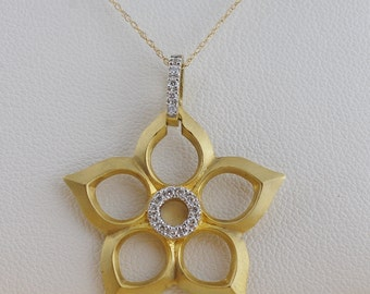 Yellow Gold Flower Pendant with Diamonds