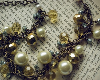 Chunky pearl necklace - honey and sage (Sale)