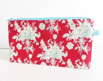 Tilda 'Cottage Botanical Red'' fabric zippered pencil case