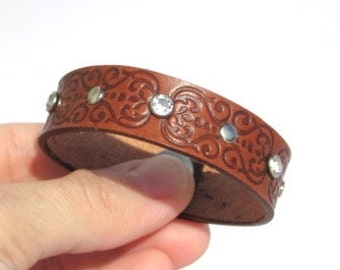 LIL Leather bracelet with scroll hearts w/ rivets and rhinestones