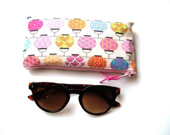 Chinese lanterns quilted glasses case