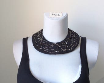Collier embroidered leather necklace from English