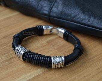 Men's regaliz bracelet Black leather and metal bracelet Licorice leather cord bracelet with beads Beaded regaliz bracelet