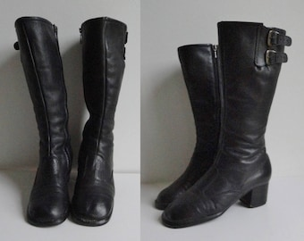 Black 60s Vintage Leather GoGo Boots // Side Buckles // Size  37,5