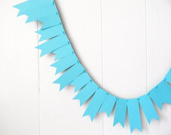 Aqua Blue Garland / Bright Blue Bunting / Blue Wedding Decor / Blue Fringe Garland / Blue Decor / Aqua Blue Photo Prop