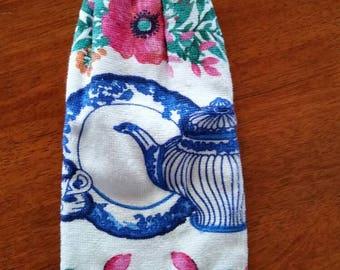 Hand Towel - Blue Teapot
