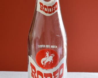 "A Rodeo Soda Bottle ""Best in the West""  10 FL. OZ. by Rodeo Beverage Co. of New Richmond,Wisconsin / Collectible  Soda Bottles/"