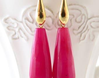 Hot pink jade earrings, gold plated 925 sterlings silver earrings, drop earrings, dangle earrings, modern jewelry, gemstone jewelry, bijoux