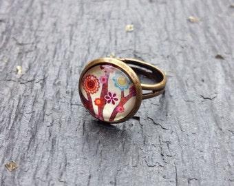 Antique Bronze Ring- retro flower cabochon