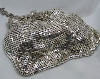 1940's Vintage Silver Duramesh Fifth Avenue Mesh Purse/Retro