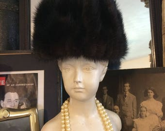 Vintage 60s Mod Mahogany Brown  Ladies Genuine Mink Fur Bucket Hat