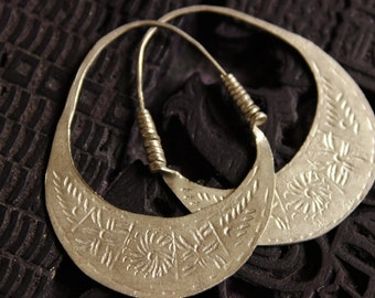 Handmade Small Hmong Earrings Hoop Loop Hill Tribe Light Engraved Asian Tribal Threader