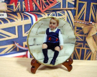 George of Cambridge Miniature Plate 1:12 scale for Dollhouse
