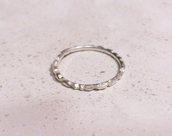 delicate silver ring - crystals
