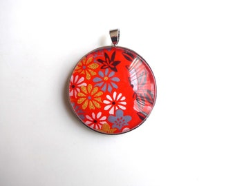 Round pendant, gold, white and blue floral on red background, Japanese (washi paper + glass cabochon).