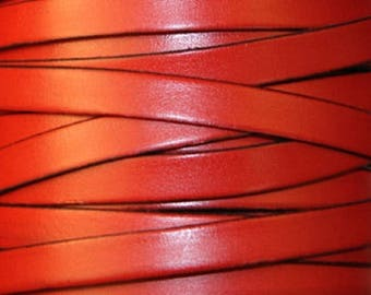 Leather red, flat, 10 mm, 20 cm sold