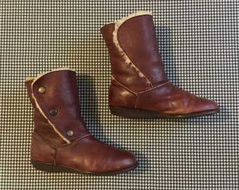 1980's, shearling lined, winter boots, with snaps, in brown leather, Women's size 8.5