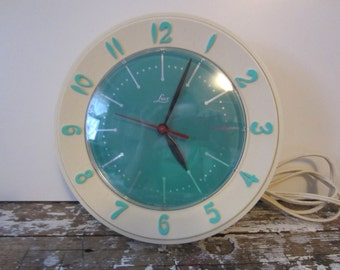 Vintage Kitchen Clock Turquoise Lux Clock Kitchen Clock Vintage Clock Retro Kitchen