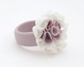 Floral  Ring , Flower Porcelain Ring Pastel Purple White ,Statement Flower Cocktail Ring , Custom Size, Bridesmaid Unique Gift - Aragonesa