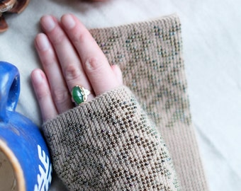 beaded wrist warmers, wrist warmers, wristers, fingerless gloves, gloves, hand knitted, gloves, mittens, knitted wrist warmers with beads