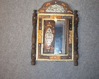 Traditionel  mirror with small  doors