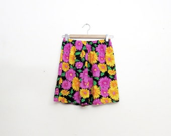 Vintage 90s Rayon Floral Daisy Print Shorts Size Small