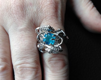 1980's Vintage Ring with Blue Stone Size 8