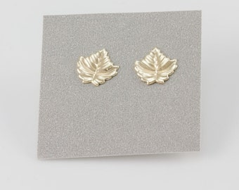 Delicate Gold Small Maple Leaf Textured Stud Earrings, Geometric Studs, Minimalist, Everyday Earrings, Gift Under 30, Simple Geometric Studs