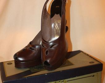 Vintage 1930's Beleganti Chocolate Leather Peep Toe Platforms