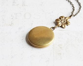 Messing Medaillon Halskette, runden Medaillon Anhänger mit Blume auf antik Messing-Kette, Andenken Brautjungfer Schmuck