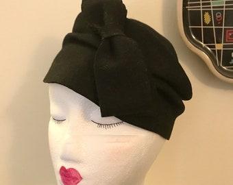 Vintage 1930s 1940s Black Felt Tilt Hat