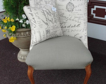 Cottage Style - Script Pint - French - Vintage Style - Decorative Chair
