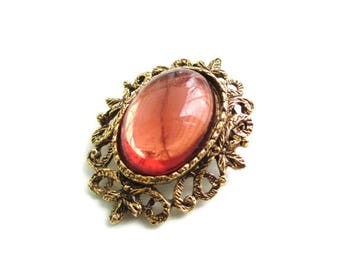 Vintage  Brown Lucite Cabochon Goldtone Brooch Pin