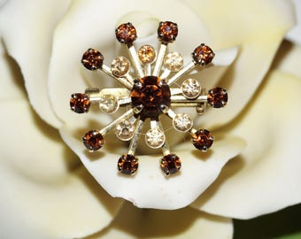 Cute 60's Brooch Rhinestones Bloom
