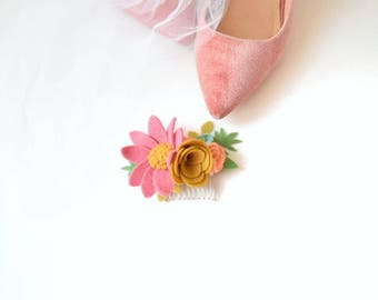 Spring time felt flower hair comb | bride and bridesmaids hair flowers | quirky wedding accessories