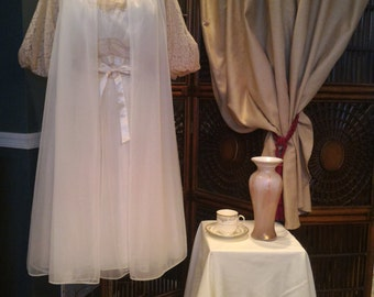 Vintage Ivory and Champagne 1950's Vanity Fair Peignoir/ Nightgown and Robe/ Lace, Chiffon, Nylon Vintage Size 36