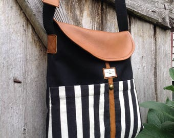Large shoulder bag.