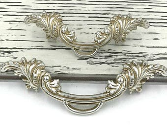 "2.5"" 3.75"" Dresser Pulls Drawer Pull Handles Antique Silver / Cabinet Handles Pulls Knobs Door Handle / Vintage Furniture Hardware 64 96 mm"