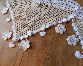 mary's detachable flower charm crocheted curtain