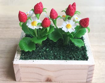 Miniature Strawberry Tree in the wooden bucket,Miniature Strawberries,Miniature Flower,Dollhouse Strawberry Tree,Miniature Strawberry Tree