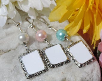 Wedding bouquet photo charm. Memorial frame charm with blue, pink or white shell pearl.