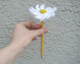 Flower Crochet Pattern - Daisy Flower  Pattern - Yarn Bombing Pattern - Pencil Topper