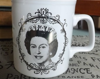 Vintage (1977) Kilncraft | Kiln Craft Silver Jubilee mug commemorating Queen Elizabeth II and her then 25-year monarchy.