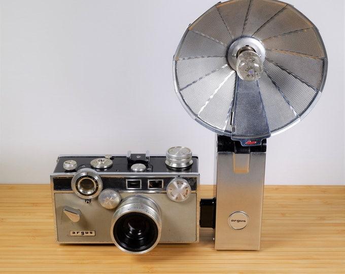 Argus Match-Matic C3 35mm Film Camera w/ Argus Leather Case and Argus Folding Flash Unit No. 759 - Vintage 1960s - Nice