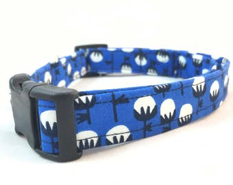 Modern Blue and White Cotton Ball Floral Dog Collar - Blue dog collar - Male Dog Collar Blue - Blue Modern Dog Collar - Girl Dog Collar